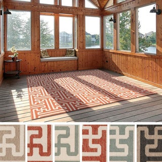 Meticulously Woven Nikki Contemporary Geometric Indoor/Outdoor Area Rug (8'9 Square)