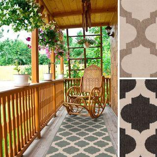 Meticulously Woven Jamie Moroccan Trellis Indoor/Outdoor Area Rug (2'3 x 7'9)