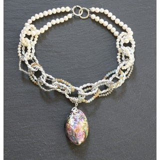 Paua Abalone Shell and Freshwater Pearl Necklace (6-8 mm)