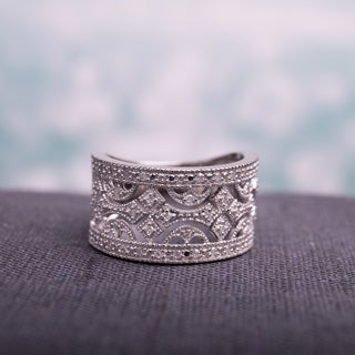 Haylee Jewels Sterling Silver 1/4ct TDW Vintage Diamond Ring (H-I, I2-I3)