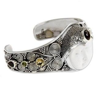 Sterling Silver Bone 'Imperial Woman' Gemstone Bracelet (Indonesia)