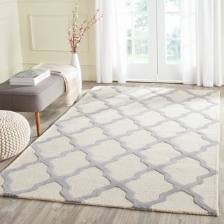 Safavieh Handmade Cambridge Ivory/ Silver Wool Rug (10' x 14')