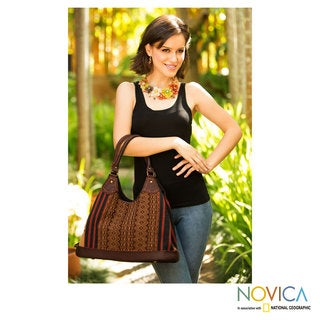 Handcrafted Leather Cotton 'Exotic River' Hobo Bag (Thailand)