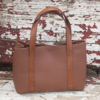 Hand-crafted Leather 'Modern Chic' Tote Handbag (Mexico)