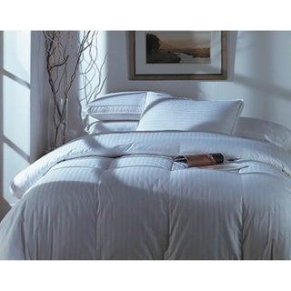 PrimaLoft Oversize Extra Warmth Queen-size Down Alternative Comforter