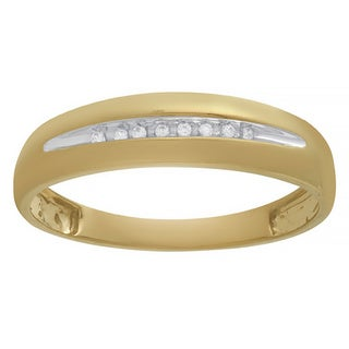 Bridal Symphony 10k Yellow Gold Men's Diamond Accent Wedding Band (I-J, I1-I2)