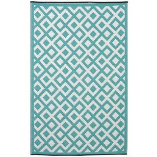 Marina Eggshell Blue/ Bright White Area Rug (4' x 6')