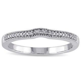 Miadora 10k White Gold 1/10ct TDW Diamond Curved Band (G-H, I2-I3)