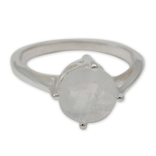 Handcrafted Sterling Silver 'India Fortune' Moonstone Ring (India)