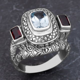 Sterling Silver Blue Topaz Garnet Cawi Ring (Indonesia)
