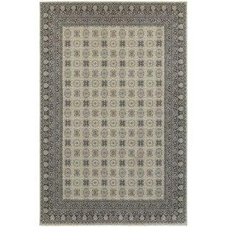 All-over Ivory/ Grey Medallion Area Rug (6'7 x 9'6)