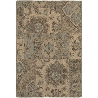 Distressed Patchwork Tan/ Blue Rug (6'7 x 9'6)