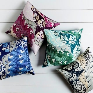 Decorative Lee 18-inch Poly or Down Filled Throw Pillow