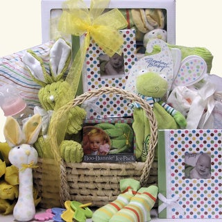 Baby Shower Surprise: Baby Gift Basket
