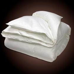 All-season Microfiber Feather Blend Comforter