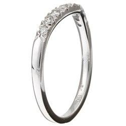 14k White Gold 1/4ct TDW Curved Diamond Wedding Band (G-H, I1)