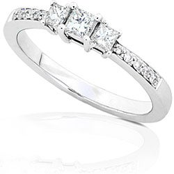 14k Gold 1/3ct TDW Princess Diamond Engagement Ring