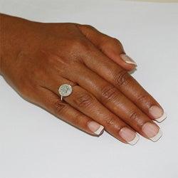 10k White Gold 1/4ct TDW Diamond Cluster Ring (I-J, I1)