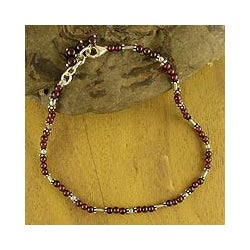 Sterling Silver 'Crimson Trios' Garnet Beaded Anklet (India)