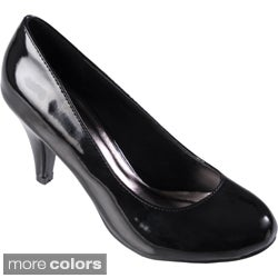 Journee Collection Women's 'Mavis-5' Round Toe Patent Pumps