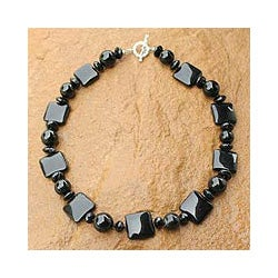 Sterling Silver 'Black Lily' Onyx Necklace (Thailand)