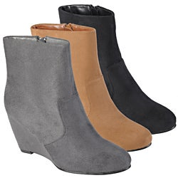 Journee Collection Women's 'Mandarin' Sueded Almond Toe Wedge Boots