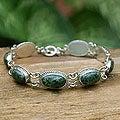 Handcrafted Sterling Silver 'Eternal Love' Jade Bracelet (Guatemala)
