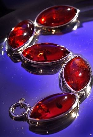 Beautiful red artificial gemstone silver jewelry