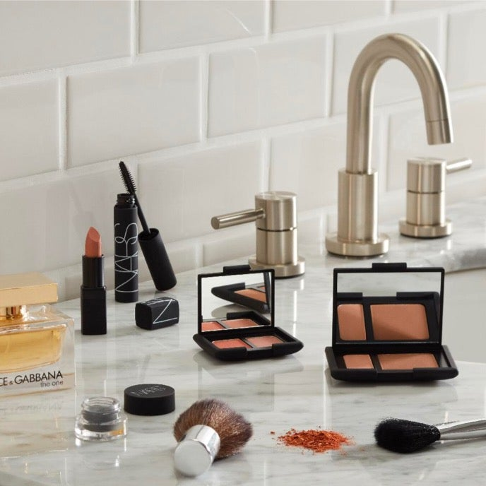 Shop online for all of your favorite Women's perfumes and fragrances at Overstock.com